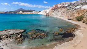 Panorama de la côte de l'île de Milos image stock