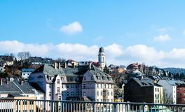 Panorama de la ciudad de Aue en el Erzgebirge Sajonia fotos de archivo libres de regalías