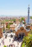 Panorama de la ciudad de Barcelona del parque Guell Fotos de archivo libres de regalías