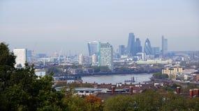 Panorama de la ciudad de Londres de la colina de Greenwich Fotos de archivo libres de regalías