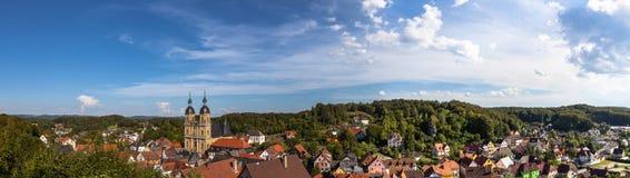 Panorama de la ciudad Goessweinstein en el Franconia Suiza, Alemania, Baviera Foto de archivo libre de regalías