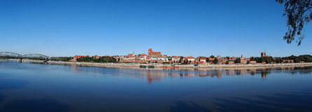 Panorama de la ciudad medieval vieja - Torun, Polonia Fotos de archivo