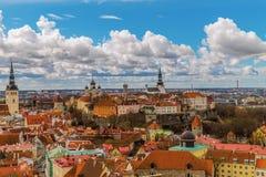 Panorama de la ciudad vieja de Tallinn, Estonia Imagen de archivo libre de regalías