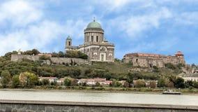 Panorama de la colina del castillo de Sturovo, Eslovaquia imagen de archivo libre de regalías