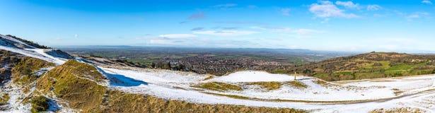Panorama de la colline de Cleeve regardant au-dessus de Cheltenham et à Severn Plain au-delà image libre de droits