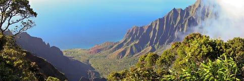 Panorama de la costa del Na Pali Fotografía de archivo