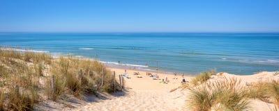 Panorama de la dune et de la plage de Lacanau, l'Océan Atlantique, France Image libre de droits