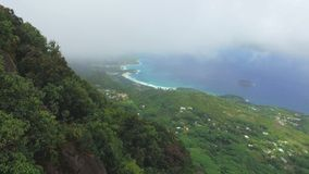 Panorama de la forme Morne Blanc View Point, Seychelles de Mahe Island banque de vidéos