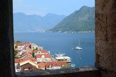 Panorama de la iglesia de San Nicolás Bahía de Perast de Kotor montenegro Imágenes de archivo libres de regalías