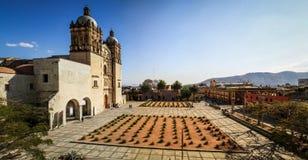 Panorama de la iglesia del ¡n de Santo Domingo de Guzmà del centro cultural de Oaxaca, Oaxaca, México fotos de archivo libres de regalías