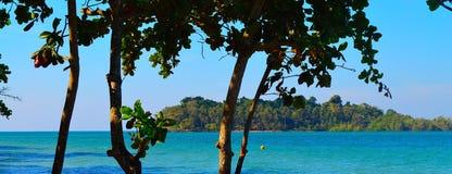 Panorama de la isla del paraíso Foto de archivo libre de regalías