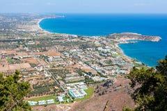 Panorama de la isla de Rodas del top de la montaña de Tsampika, Grecia imagen de archivo
