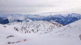 Panorama de la meseta de la montaña de Feuerkogel, Salzkammergut, Austria