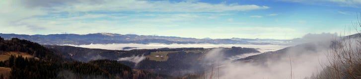 Panorama de la montaña en las montañas Carinthia de Austria Fotografía de archivo libre de regalías