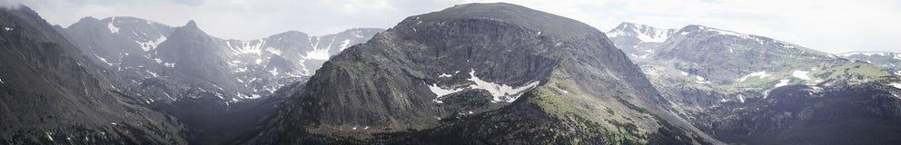 Panorama de la montaña rocosa Imagenes de archivo