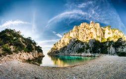 Panorama de la naturaleza hermosa de Calanques en la costa azul de Imagenes de archivo
