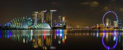 Panorama de la noche de Singapur Imagen de archivo libre de regalías