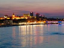 Panorama de la noche en los bulevares y la Varsovia del Vístula Fotos de archivo libres de regalías