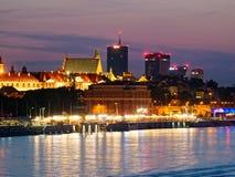 Panorama de la noche en los bulevares y la Varsovia del Vístula Imágenes de archivo libres de regalías