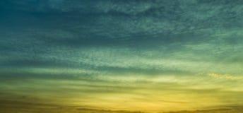 Panorama de la nube de la salida del sol Foto de archivo libre de regalías