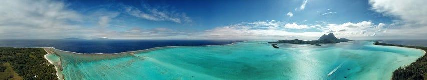 Panorama de la opinión aérea de Bora Bora imagen de archivo libre de regalías