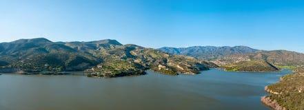 Panorama de la orilla del lago Fotos de archivo