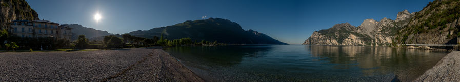 Panorama de la orilla del lago Imagen de archivo libre de regalías