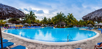 Panorama de la piscina del centro turístico de Melia Las Duna Hotel Imagen de archivo libre de regalías