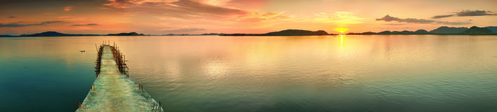 Panorama de la puesta del sol Fotografía de archivo