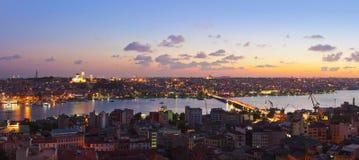 Panorama de la puesta del sol de Estambul Imagen de archivo libre de regalías
