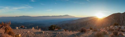 Panorama de la puesta del sol en la opinión de los claves imagen de archivo libre de regalías