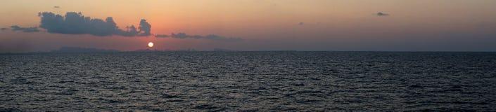 Panorama de la puesta del sol en Phuket Fotos de archivo libres de regalías