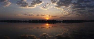 Panorama de la puesta del sol o de la salida del sol Fotos de archivo libres de regalías