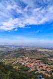Panorama de la république de San Marino et de l'Italie de Monte Titano, tir vertical Photos stock