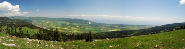 Panorama de la región de Neuchatel visto de Tete de Run Fotos de archivo libres de regalías