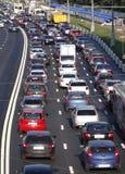 Panorama de la route avec des voitures images libres de droits
