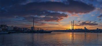 Panorama de la salida del sol de Vladivostok Imágenes de archivo libres de regalías