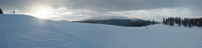 Panorama de la salida del sol del invierno Foto de archivo libre de regalías
