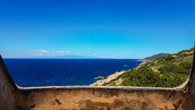 Panorama de la Sardaigne avec des montagnes Images stock
