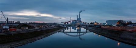 Panorama de la station de pouvoir étendu, usine de centrale à charbon à Mannheim, Allemagne image stock