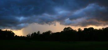 Panorama de la tormenta de la lluvia Imágenes de archivo libres de regalías