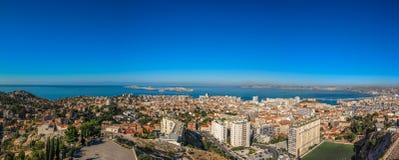 Panorama de la ville de Marseille dans des Frances du sud photos libres de droits