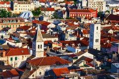 Panorama de la ville méditerranéenne de Sibenik Images libres de droits