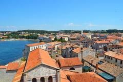 Panorama de la ville de Porec images stock