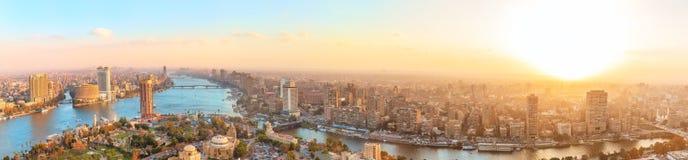 Panorama de la vue de coucher du soleil au Caire, Egypte photographie stock
