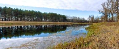 Panorama de lac autumn image libre de droits