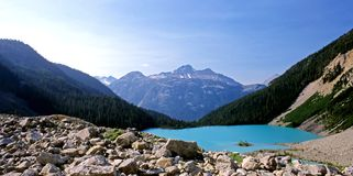 Panorama de lac Joffre Photos stock