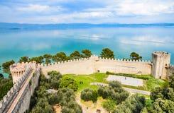 Panorama de lac Trasimeno, Castiglione del lago, Ombrie, Italie photo stock
