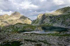 Panorama de lagos Elenski, montanha de Rila, Bulgária Fotos de Stock Royalty Free