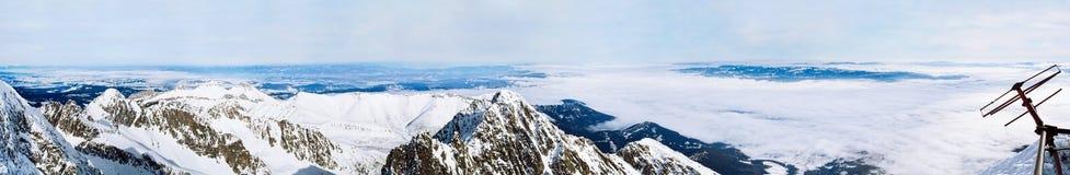 Panorama de las montañas de Tatra Fotos de archivo libres de regalías